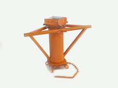 Center pole basket swivel