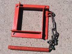 Center pole cable bracket