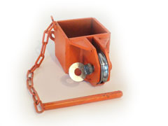 Center pole cable pulley bracket